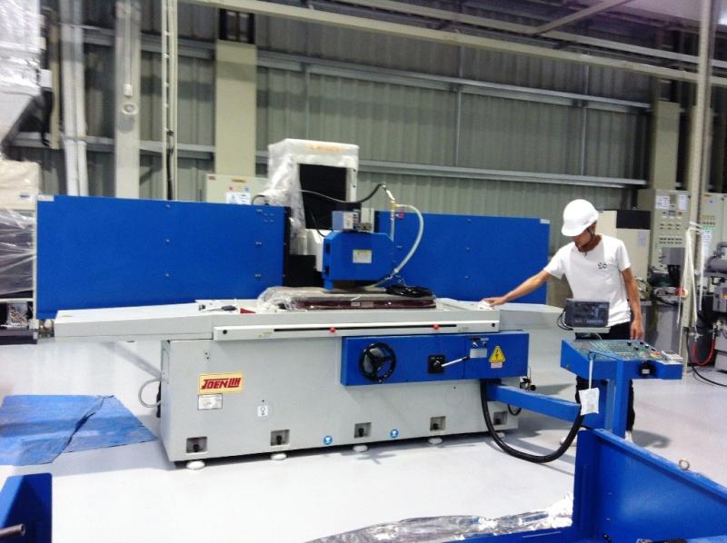 Lắp đặt máy mài CNC